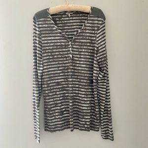BKE by BUCKLE Women's XL Black Gray Long Sleeve